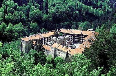 rilski_otgore Всемирното Православие - Рилски манастир